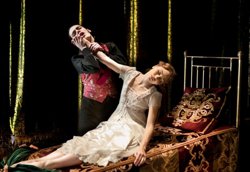 Bourne Sleeping Beauty, Hannah Vassallo, c Simon_Annand