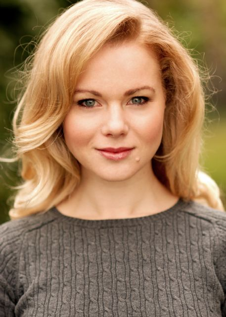 100712094813--Amy Lennox Headshot