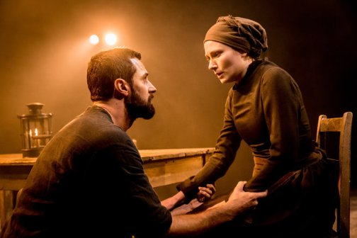 rsz_07277_the_old_vic_the_crucible_richard_armitage_john_proctor_and_anna_madeley_elizabeth_proctor_photo_credit_johan_persson[1]