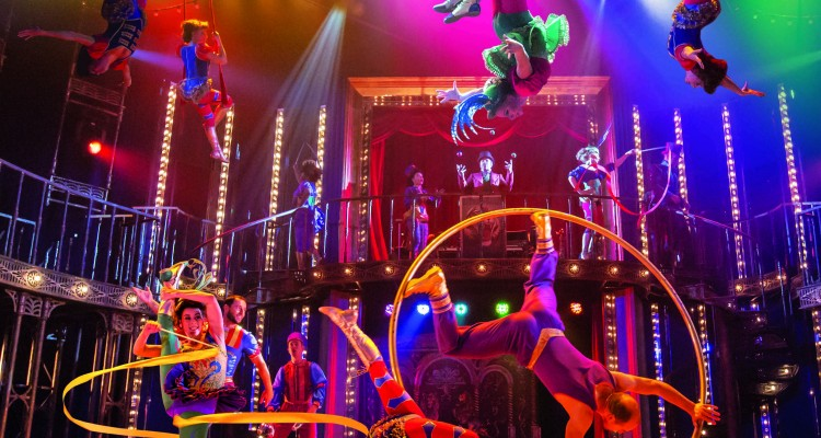 4.-BARNUM-company.-Photo-by-Johan-Persson-750x400