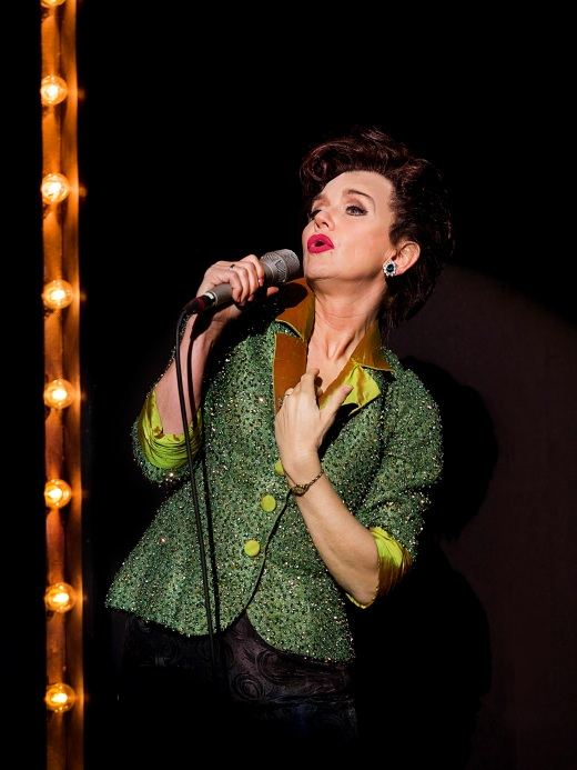 Lisa Maxwell as Judy Garland in End of the Rainbow. Pamela Raith Photography (8)