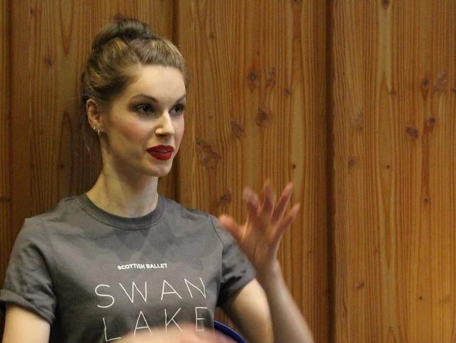 nars swan lake 5