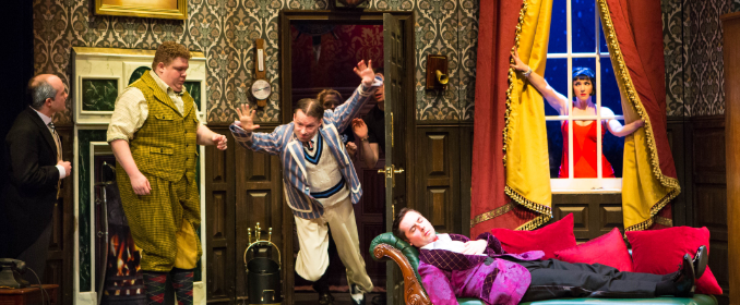 Cast the play that goes wrong mischief theatre theatre Royal Glasgow